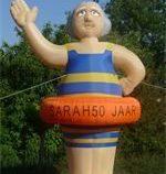 Sarah in badpak